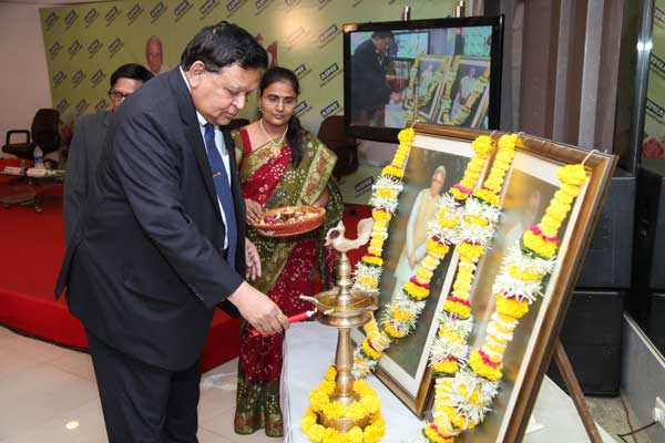 Chief Guest Shri. Anilkumar Manibhai Naik, Padmabhushan Awardee & Chief Executive, Larsen & Toubro, lighting the lamp to pay homage to late Shri.L.M.Patel and late Smt. Maniben Patel.